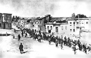 300px-Armenians_marched_by_Turkish_soldiers,_1915